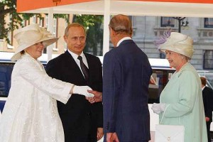 Vladimir_Putin_with_Queen_Elizabeth_II
